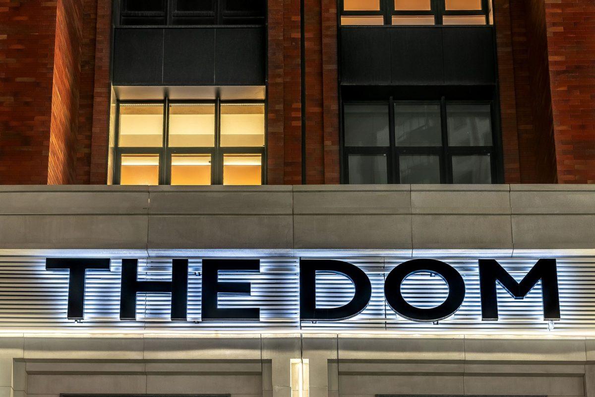 Фасадная вывеска «THE DOM», г.Москва
