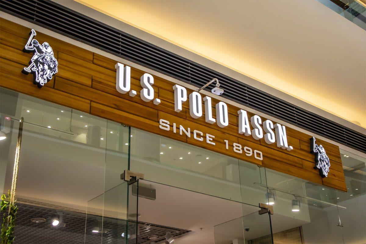 Интерьерная вывеска магазина U.S.Polo2, фото работы компании «Атлас-групп»